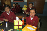 GIFT WRAPPING COMPETITION