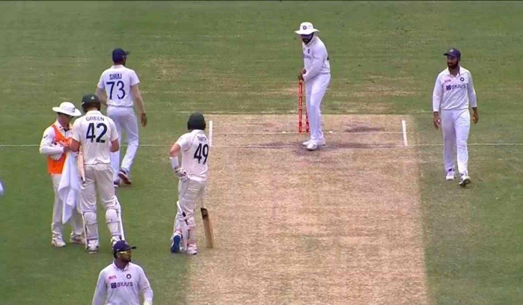 Watch : Rohit Sharma mocks Steve Smith by shadow batting in his crease