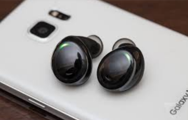 c2e8c66f7d4 BEST WIRELESS EARBUDS 2017 - Article | ATG
