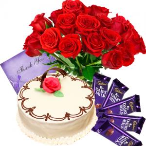 1/2 kg Cake With Roses Combo