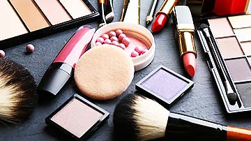E-commerce portal selling Beauty products and services for Sale