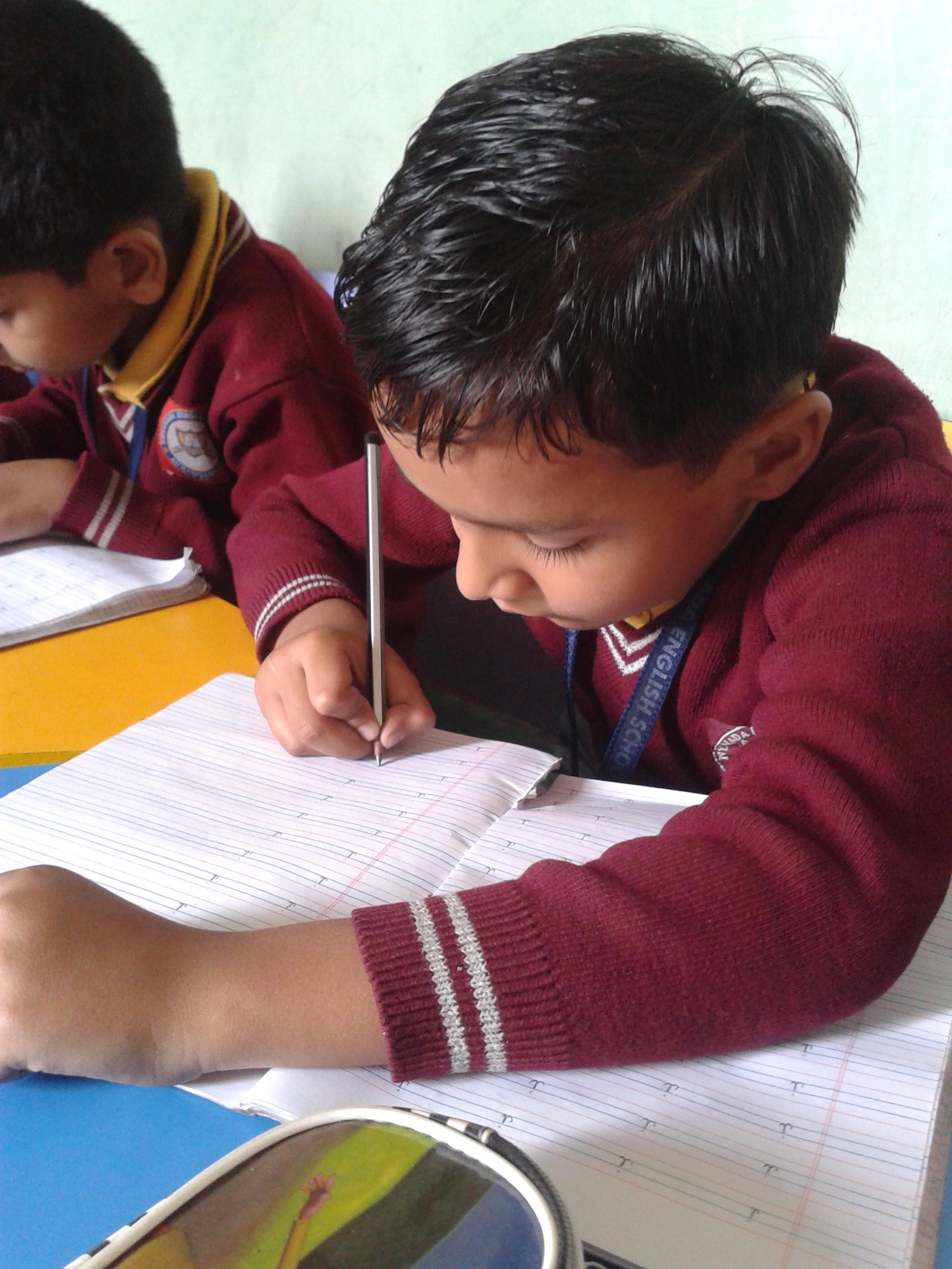 Akshar Handwriting Analysis_image0