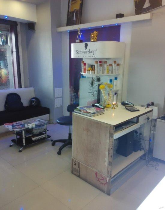 Mangesha'z Unisex Salon & Academy_image0