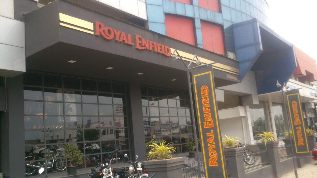 Godavari Royal Enfield_image0