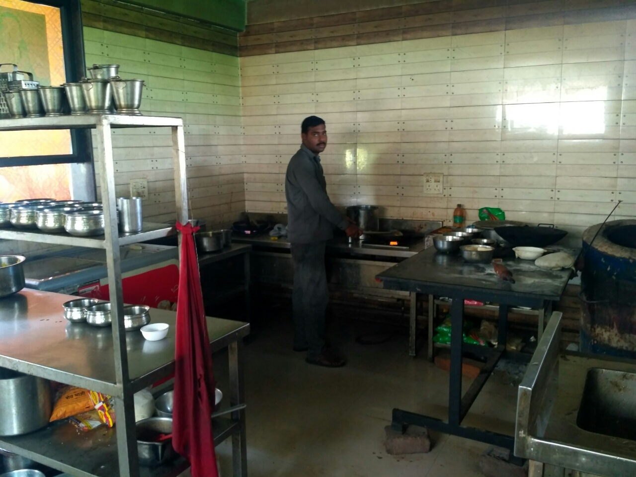 Rajmata Hotel Veg And Nonveg Family Garden Restaurant