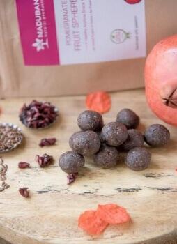 Pomegranate Fruit Spheres 6 Nos-Maduban
