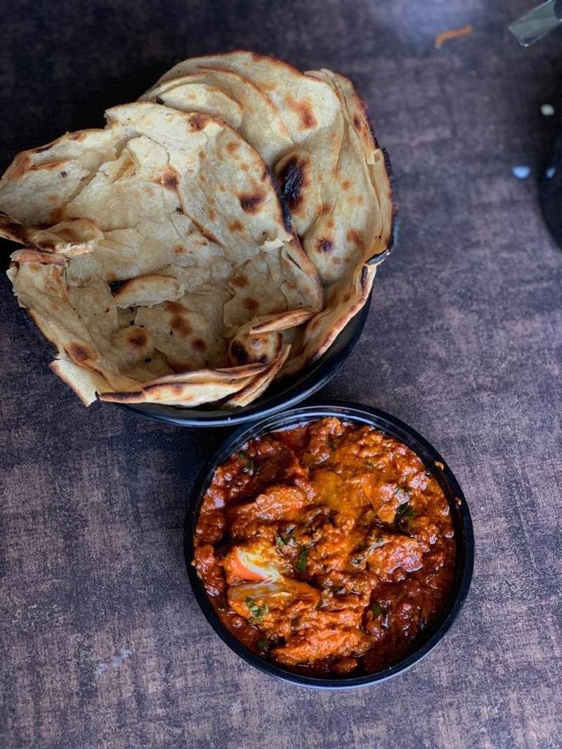2 Laccha Paratha + Butter Chicken Combo