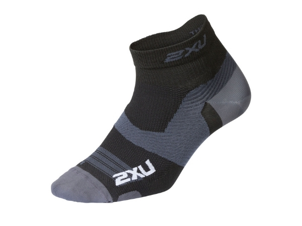 2XU Vectr Ultralight 1/4 Crew Sock - Black/Titanium