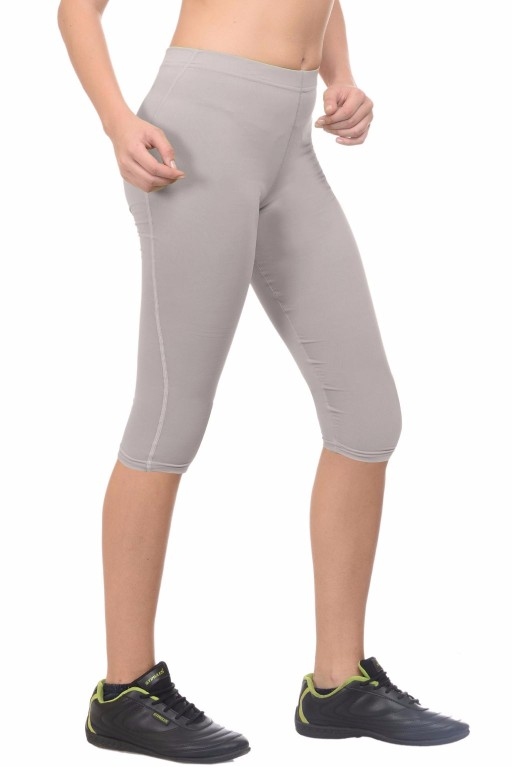 ARMR Women Grey SKYN 3/4th Capris