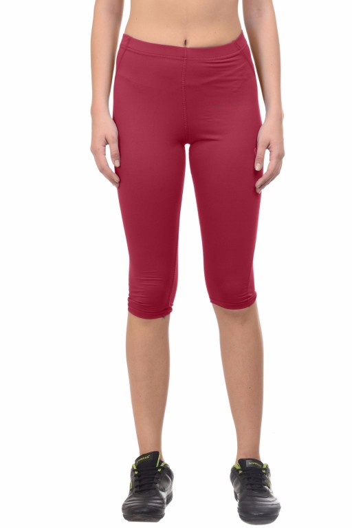 ARMR Women Red SKYN 3/4th Capris