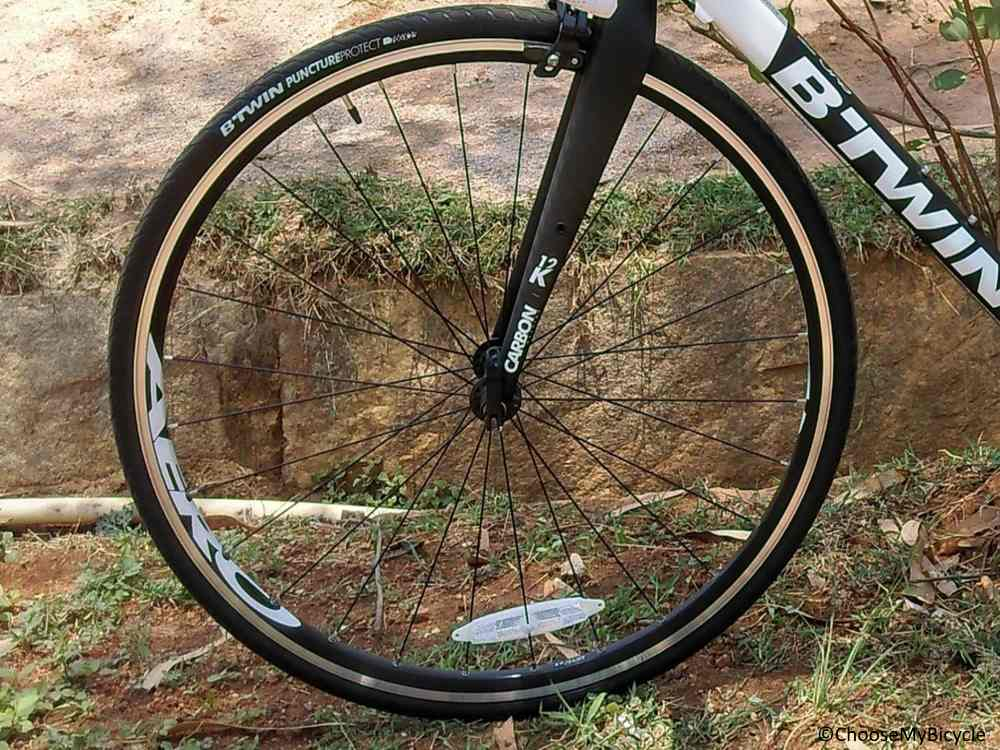 Btwin Triban 520 (2017) Tires