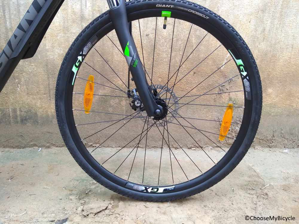 Giant Roam 3 Disc (2018) Tires