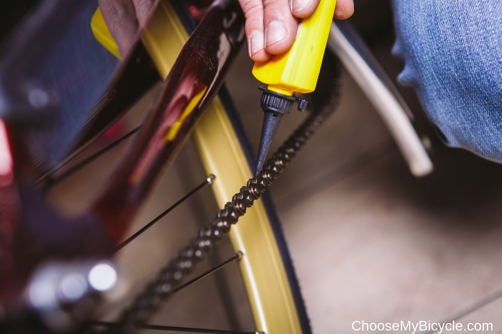 How to Clean and Lubricate your Chain