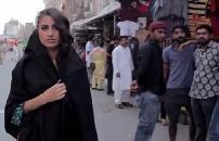 VIDEO: जब लड़कियों ने दिया पाकिस्तानी मनचलों को करारा जवाब