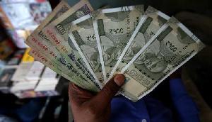 बचत खाताधारकों को बड़ी राहत, सोमवार से हर सप्ताह निकाल सकेंगे इतने रुपए; जल्द खत्म होगी सीमाएं!
