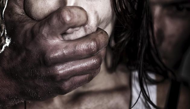 लड़की की तस्करी के अरोप में दो मानव तस्कर गिरफ्तार