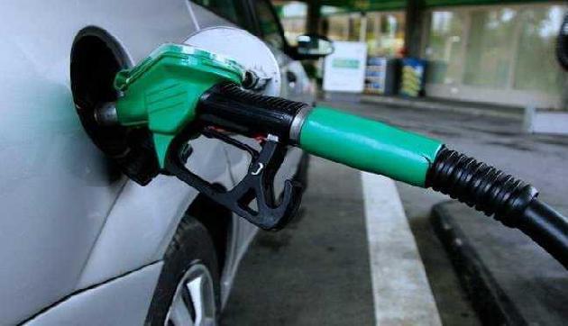 सावधान: 90 रुपए प्रति लीटर तक बिक सकता है पेट्रोल, लगेगा बड़ा झटका