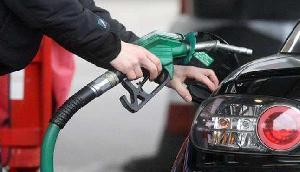 आपको झटका देगी ये खबर, पेट्रोल 4 रुपए, डीजल 6 रुपए हुआ महंगा