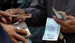 अगर ATM या ऑनलाइन ट्रांजैक्शन करते समय हुआ ऐसा तो मिलेंगे पैसे