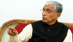 पूर्व मुख्यमंत्री माणिक सरकार के काफिले पर हमला, CPM ने बीजेपी पर लगाया आरोप