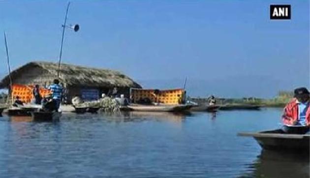 मणिपुर की लोकटक झील में खुला देश का पहला फ्लोटिंग स्कूल