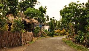 विस्थापन के डर के साए में जी रहे हैं इस गांव के लोग