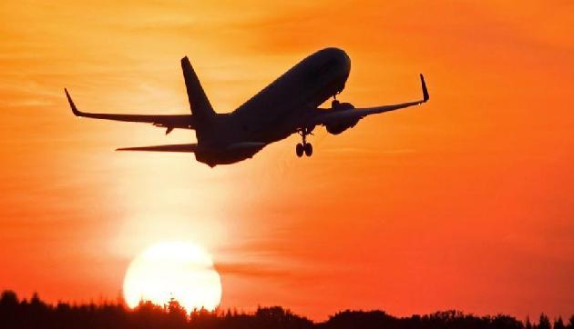 गुवाहाटी- एयरलाइंस का बंपर धमाका, अब सबसे सस्ते में लीजिए छुट्टियों का मजा