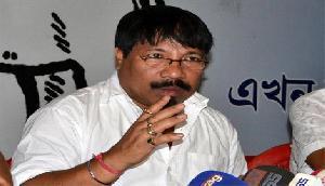 मुश्किल में फंसी असम में सोनोवाल सरकार, सहयोगी पार्टी ने दी चेतावनी