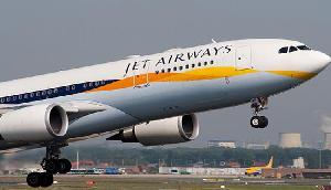 जेट एयरवेज ने बंद की हवाई सेवा, इन लोगों को उठानी होगी बड़ी परेशानी