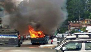 संदिग्ध गोरखा कार्यकर्ताओं ने की वाहनों में तोडफ़ोड़
