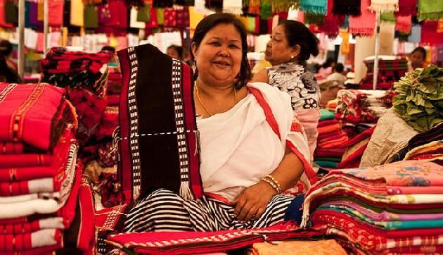 मणिपुर में है मदर्स मार्केट, यहां सिर्फ महिलाएं चलाती हैं दुकान