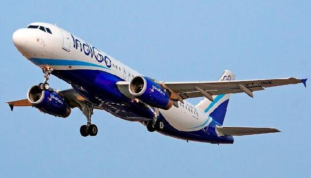 इंजन में खराबी के चलते इंडिगो और गोएयर ने गुवाहाटी समेत कर्इ शहरों में रद्द की 47 उड़ानें