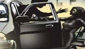 असम के गुवाहाटी में दिन दहाड़े लड़की का अपहरण,चलते वाहन में गैंगरेप