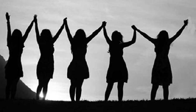हर महिला को पता होने चाहिए उनके ये 5 कानूनी अधिकार