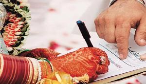 असम: ब्राह्मणों की धमकी, गैर ब्राह्मणों में शादी करने वालों का हुक्का पानी बंद कर देंगे