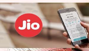JIO का बड़ा ऑफर, अब मिलेगा किंग खान से मिलने का मौका