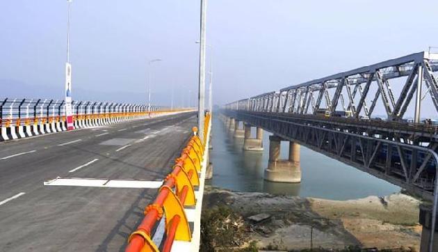 असम के इस पुल पर सेल्फी लेने पर लगेगा जुर्माना, पार्किंग भी बैन