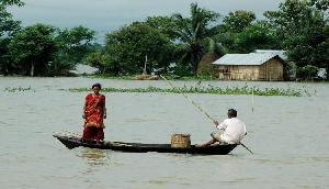 मणिपुर में बाढ़ से हालात खराब, कई और गांव जलमग्न