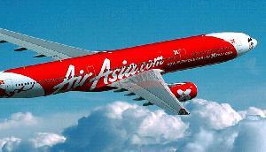 AirAsia का शानदार ऑफर, सिर्फ 999 रुपये दे रहा है हवार्इ सफर का मौका