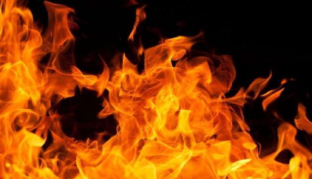 मणिपुर के मोरेह में लगी भीषण आग, 10 घर जलकर खाक