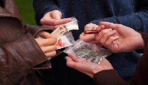 मणिपुर के रास्ते देश के युवाओं में जहर घोल रहे थे तस्कर, 5 किलो हेरोइन जब्त