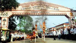 मेघालय : मेडिकल कॉलेजों में दाखिले के मामले में सियासी रंग चढ़ा