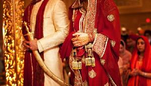 बढ़ती उम्र में शादी का चलन, लंदन से आए 59 वर्षीय प्रवासी गुजराती ने रचाई शादी