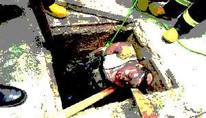 निर्ममता से हत्या कर शव को सेफ्टी टैंक में डाला