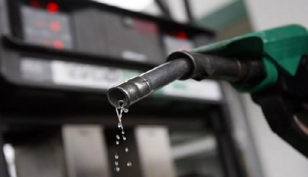 पेट्रोल पिछले 55 महीनों में सबसे महंगा, डीजल की कीमत भी आसमान पर