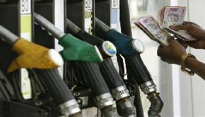 फिर बढ़ गई पेट्रोल और डीजल की कीमत, पूर्वोत्तर का ऐसा है हाल
