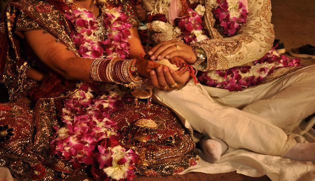 यहां शादी के लिए तैयार नहीं हैं लड़के-लड़कियां, वजह जानकर रह जाएंगे दंग