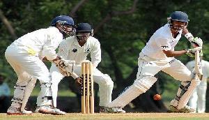 222 रनों पर सिमटी त्रिपुरा की पहली पारी, त्रिपाठी ने झटके पांच विकेट
