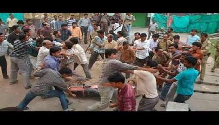 त्रिपुरा: भाजपा-माकपा समर्थकों के बीच झड़पें, 12 पुलिसकर्मी सहित 54 घायल