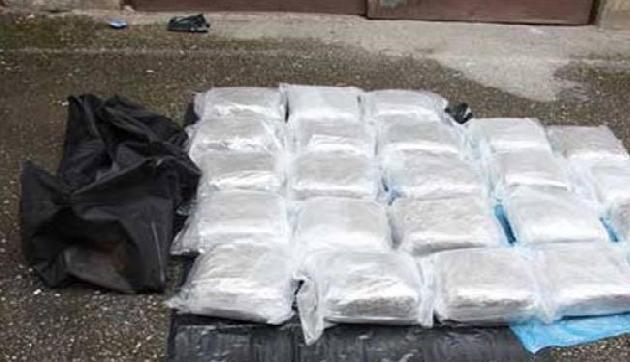 ढाई करोड़ की हेरोइन के साथ दो तस्कर गिरफ्तार, जूतों में छिपाकर मणिपुर से करते थे तस्करी